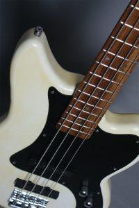 TH Guitars - JagBass